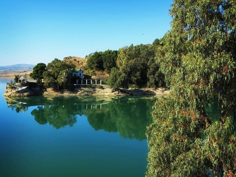 Singles en Lago del Chorro