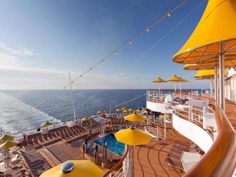 disfrutando de las vista Costa Cruceros