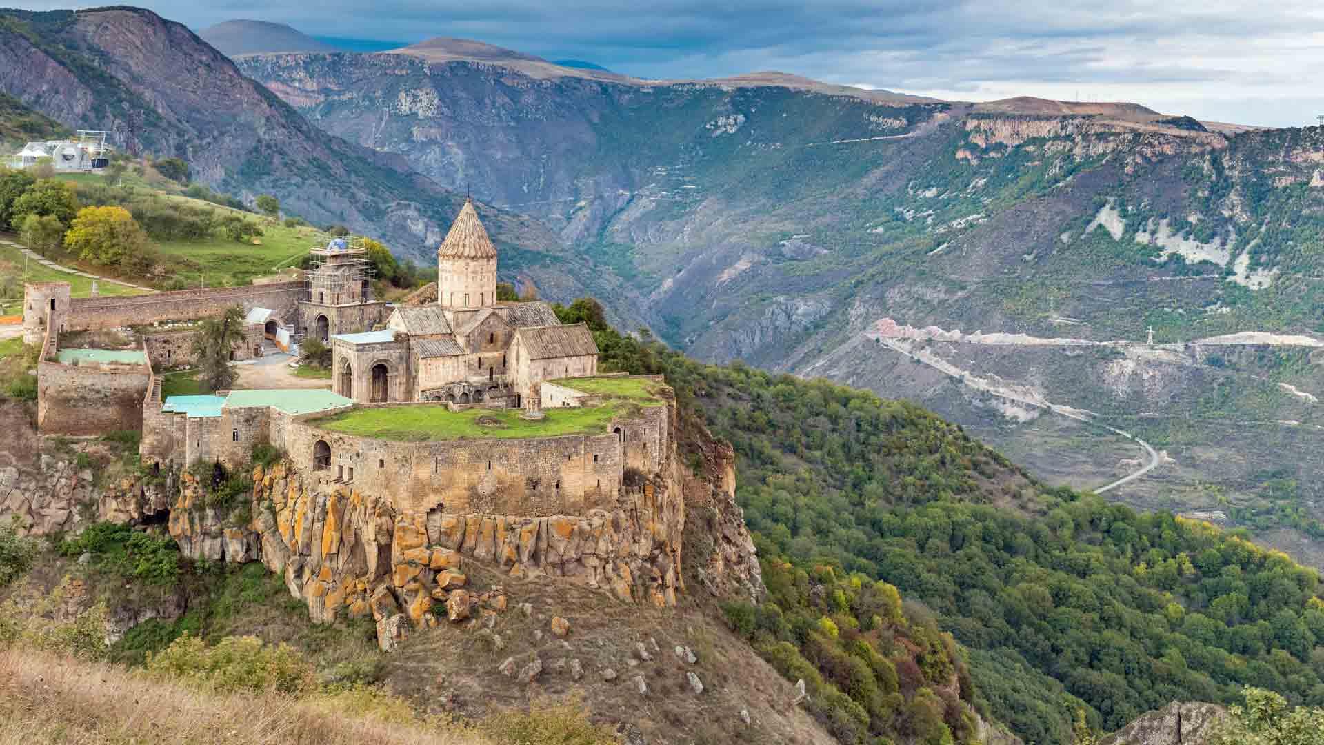 Maravillas de Armenia-Monasterio-Tatev